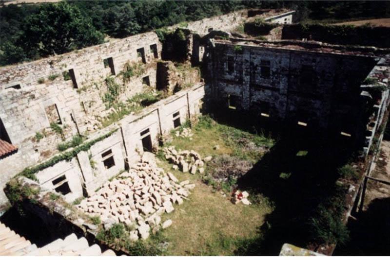 Aciveiro Claustros 1990