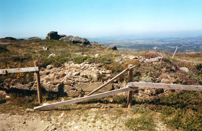 Aciveiro Restos Capela San Bieito Candán